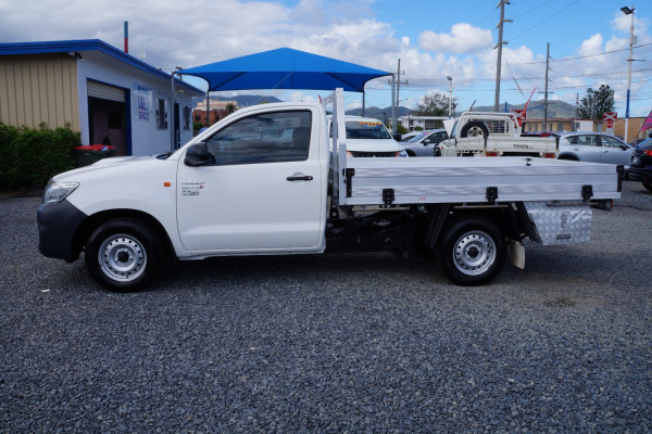 2014 Toyota HiLux KU Workmate Cab chassis