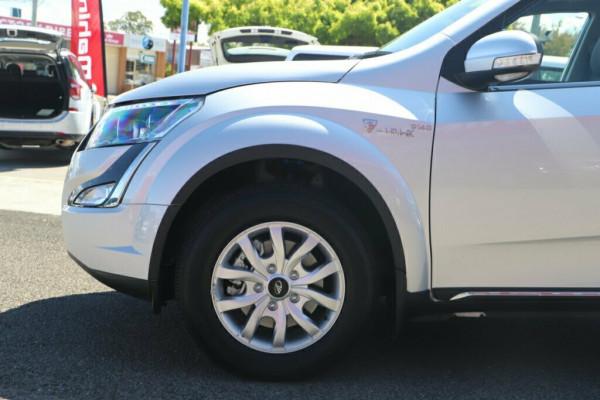 2019 Mahindra XUV500 W10 AWD Suv