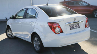 2013 MY14 Holden Barina TM MY14 CD Sedan Image 4