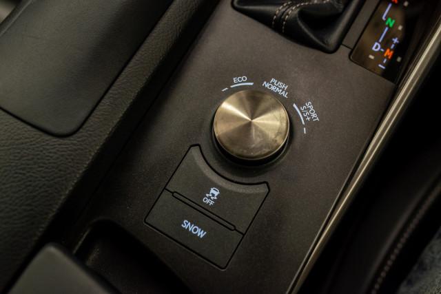 2016 Lexus Is GSE31R 350 F Sport Sedan Image 31
