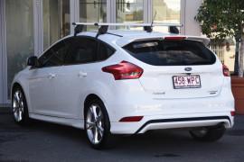 2016 Ford Focus LZ Titanium Hatchback Image 3