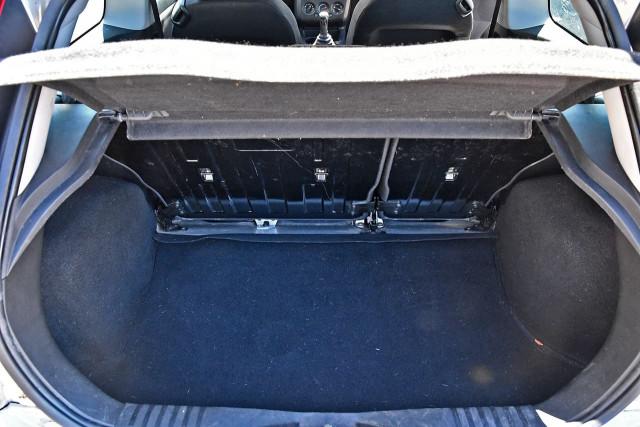 2005 Ford Fiesta WP LX Hatchback Image 6
