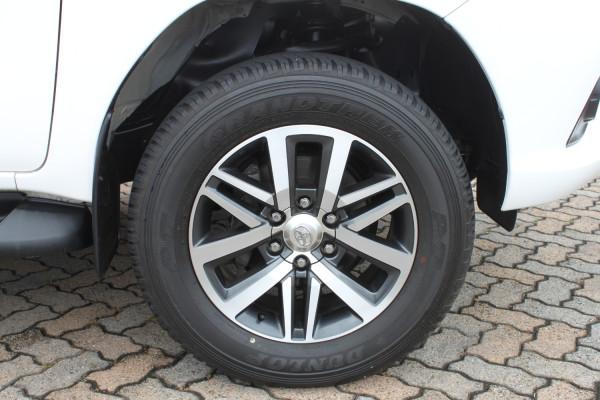 2017 Toyota HiLux GUN126R SR5 Dual cab