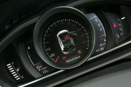 Volvo V40 D2 Adap Geartronic Momentum M Series MY18