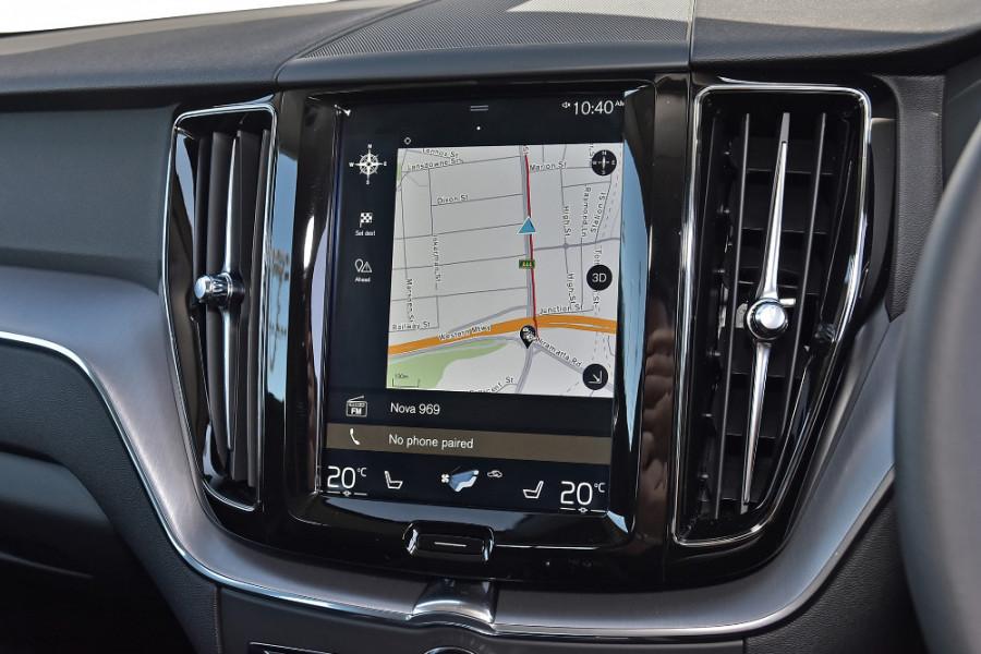2019 Volvo XC60 UZ T5 Momentum Suv Mobile Image 12