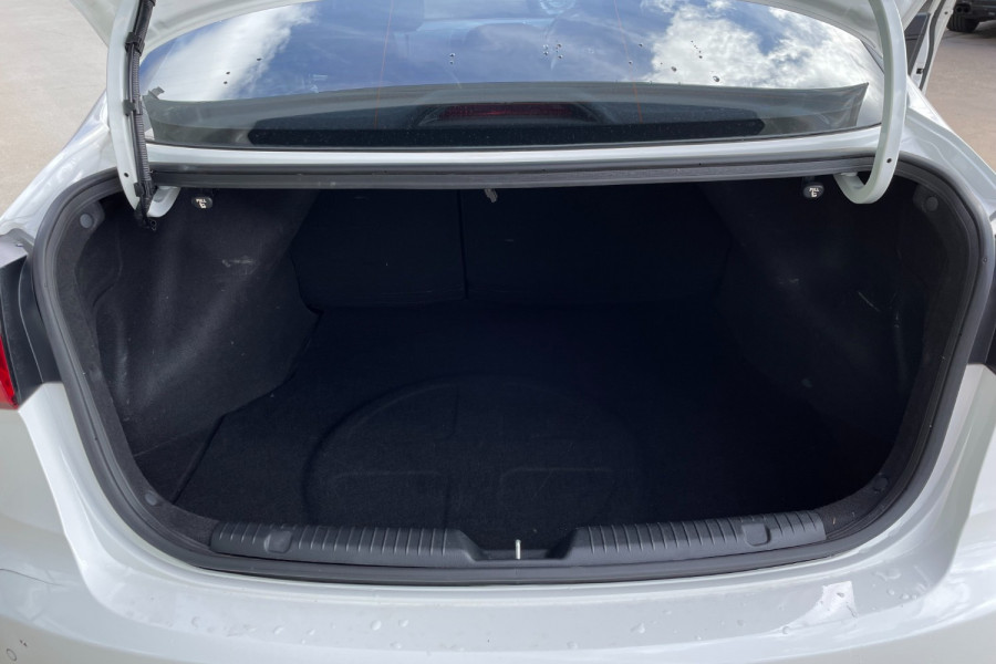 2015 Kia Cerato YD  S Hatchback Image 19