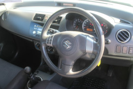 2010 MY11 Suzuki Swift FZ GLX Hatchback