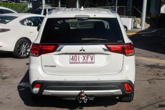 2017 Mitsubishi Outlander ZK  LS Suv Image 4