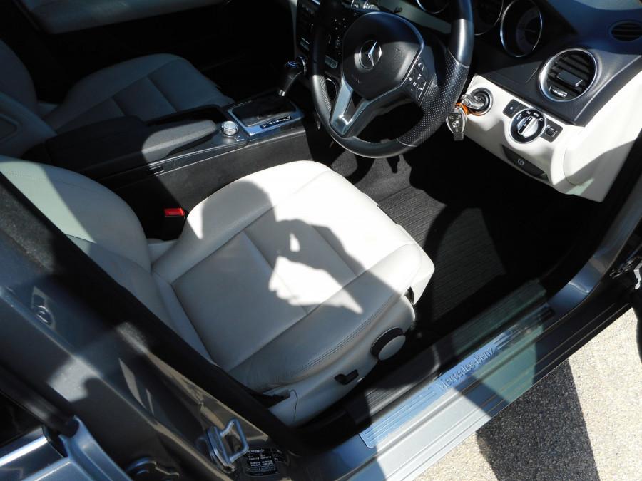 2014 Mercedes-Benz C-class W204  C250 CDI Avantgarde Sedan Image 10