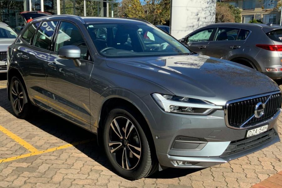 2018 MY19 Volvo XC60 246 MY19 D4 Momentum (AWD) Suv Mobile Image 3