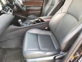 2017 Toyota C-hr NGX50R Koba Suv image 29