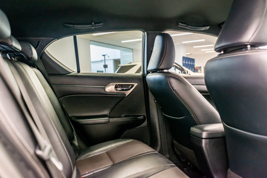 2016 Lexus Ct Hatchback Image 15
