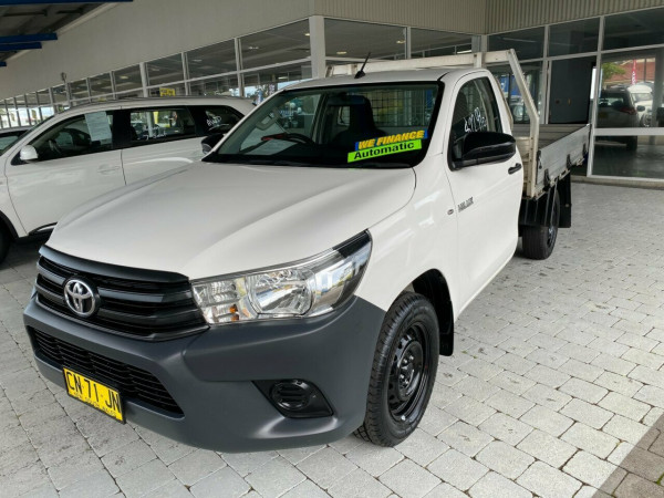 2017 Toyota Hilux Workmate Cab chassis - single cab
