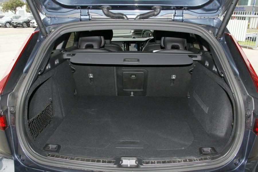 2019 MY20 Volvo V60 T5 R-Design T5 R-Design Sedan Mobile Image 19