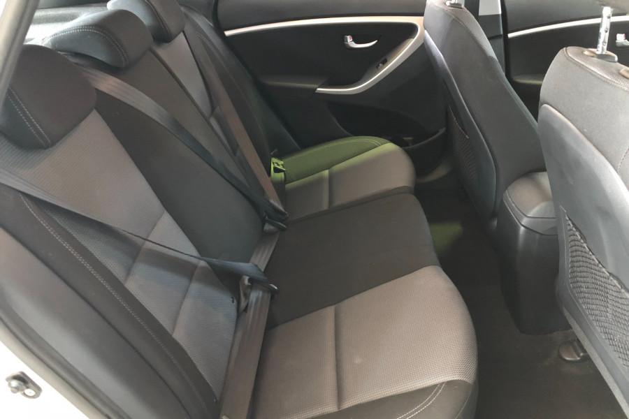 2015 MY16 Hyundai I30 GD3 Series II  SR Hatchback Image 19