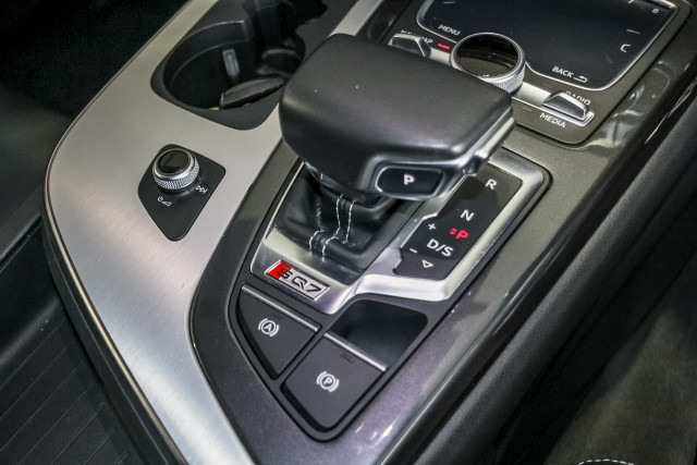 2017 Audi Sq7 4M MY17 TDI Suv Image 15