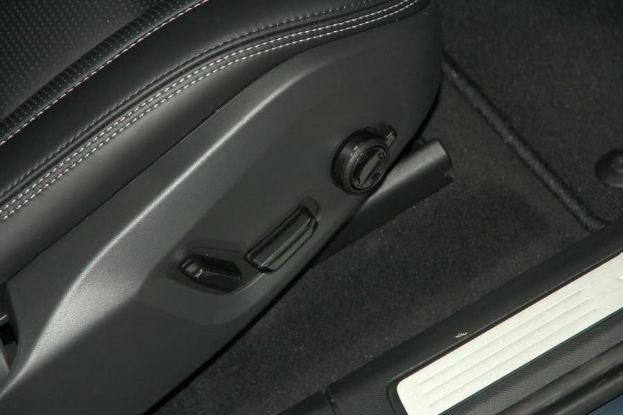 2019 Volvo XC60 UZ D4 Inscription Suv Image 12