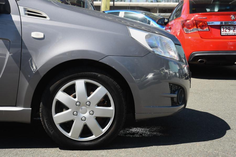 2009 Holden Barina TK MY09 Hatchback Image 5