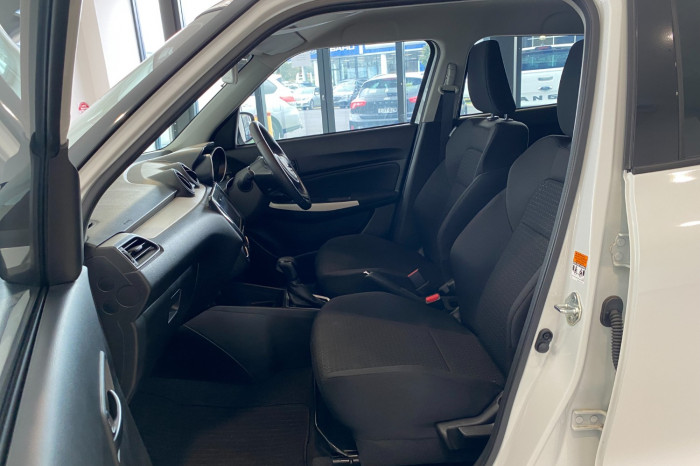 2019 Suzuki Swift AZ GL Navigator Hatchback Image 16