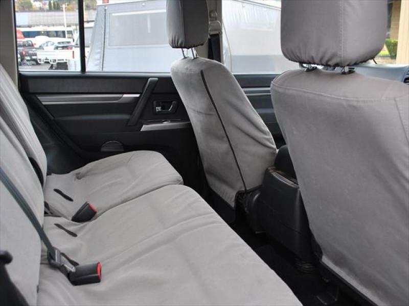 2014 Mitsubishi Pajero NW  GLX Wagon