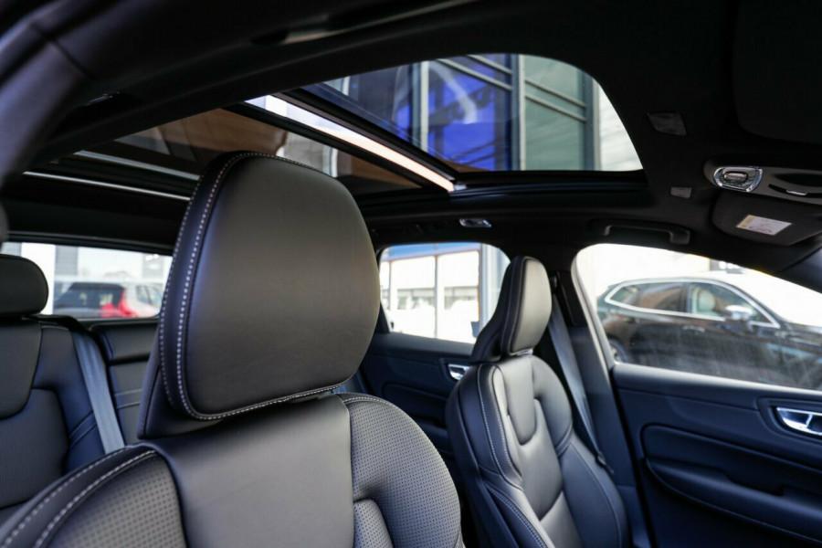 2019 MY20 Volvo XC60 UZ D5 R-Design Suv Image 14