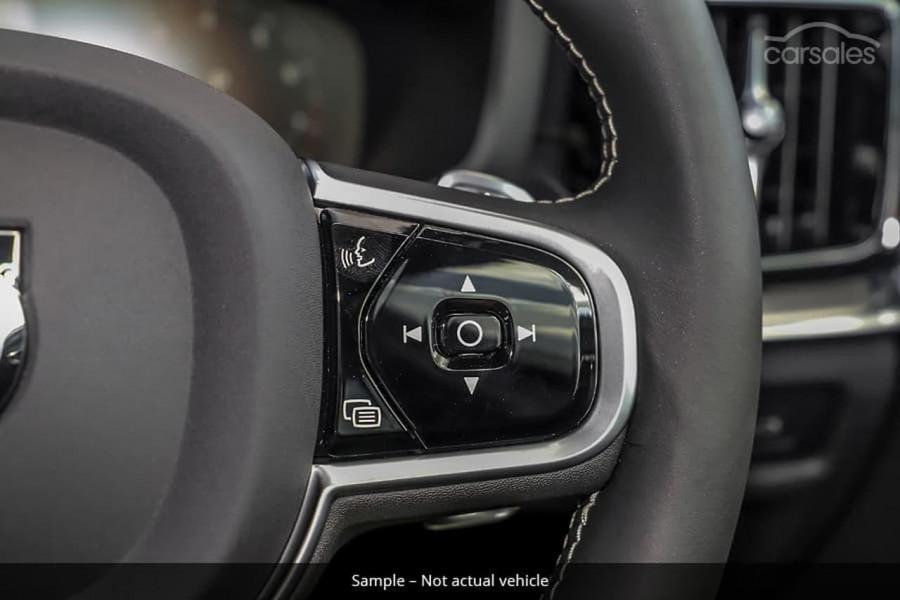 2021 Volvo S60 Z Series T5 R-Design Sedan Image 16