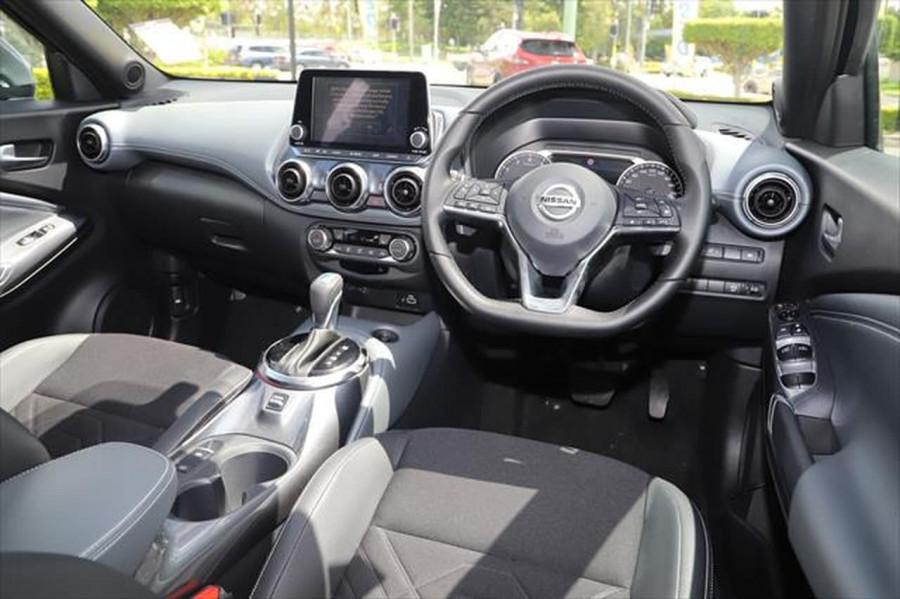 2020 Nissan JUKE F16 ST-L Hatchback Image 11