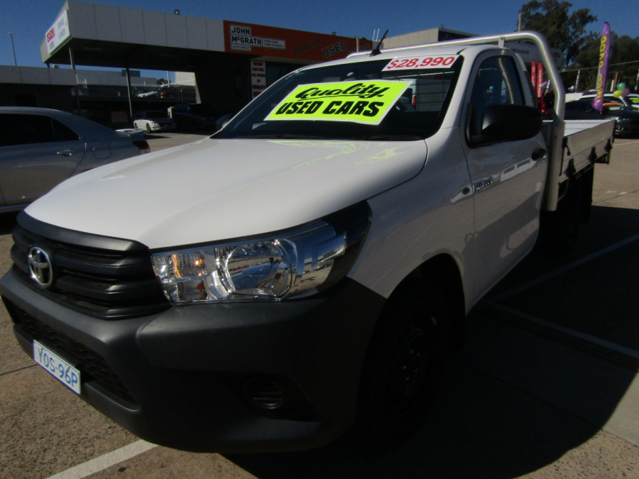2018 Toyota HiLux WorkMate 4x2 Single-Cab Cab-Chassis Cab chassis Image 2