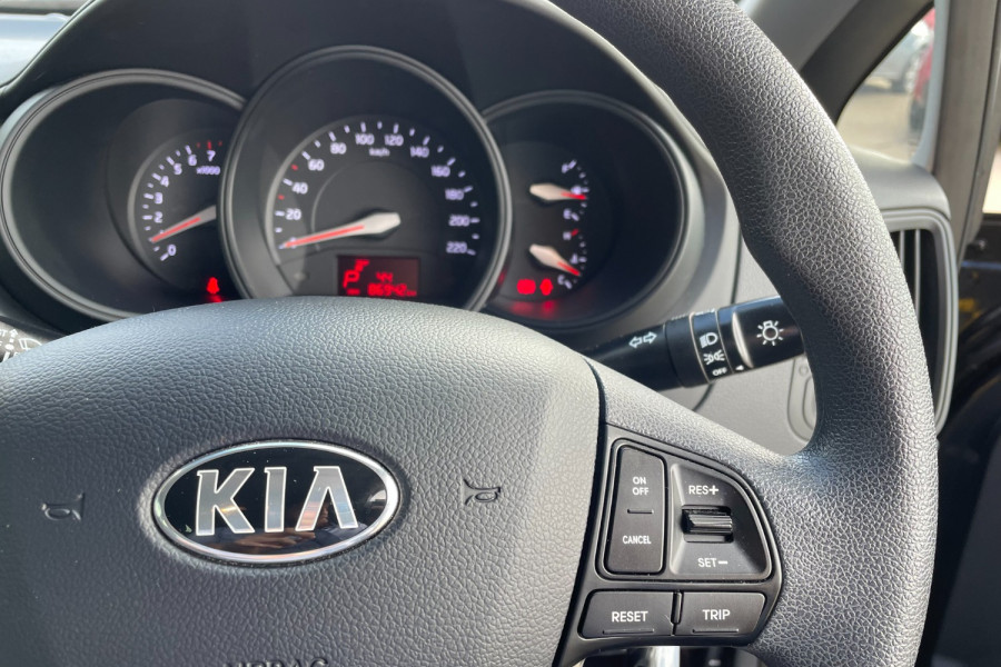 2014 Kia Rio UB  S Hatchback Image 13