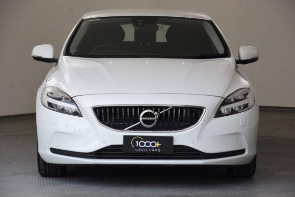 2016 Volvo V40 Vehicle Description. M  MY16 D2 Kinetic HBK AGT 6sp 2.0DT D2 Hatchback