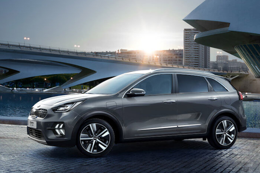 Niro Plug-in Hybrid Plug into the best of both worlds.