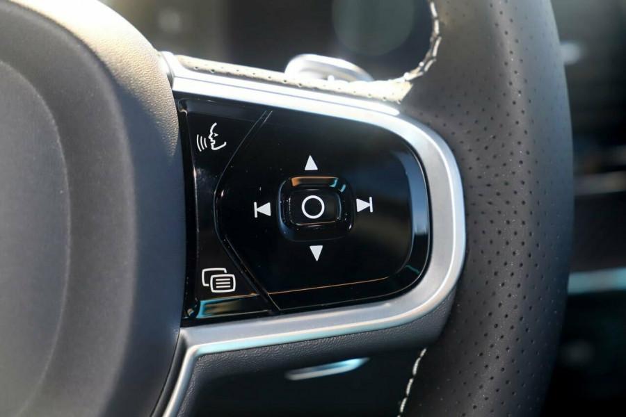 2019 Volvo XC90 L Series D5 R-Design Suv Mobile Image 12
