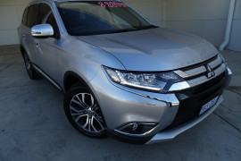 Mitsubishi Outlander Exceed 4WD ZK