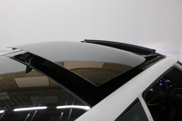 2014 Hyundai Veloster Coupe Image 5