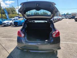 2015 Nissan Pulsar Model description. C12  2 SSS Hatchback 5dr Man 6sp 1.6T Hatchback image 9