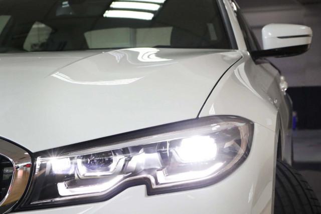 2019 BMW 3 Series G20 330e M Sport Sedan Image 5