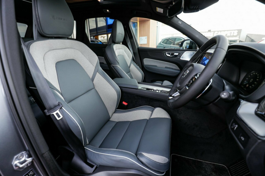 2020 Volvo XC60 UZ T6 R-Design Suv Image 13