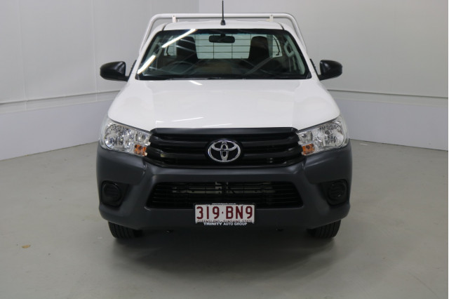 2016 Toyota HiLux TGN121R WORKMATE Cab chassis Image 2