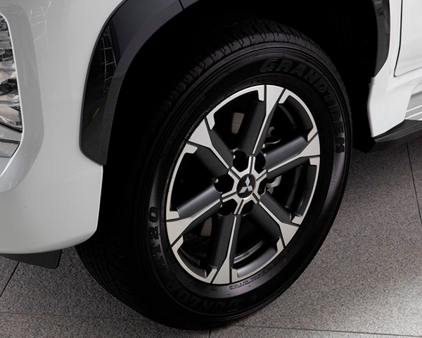 """18"""" Spoke alloy wheel (1 off)"""