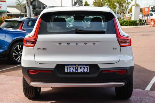 2019 MY20 Volvo XC40 XZ T4 Momentum Suv Image 3
