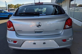 2016 Holden Cruze JH SERIES II MY16 EQUIPE Hatch Image 5
