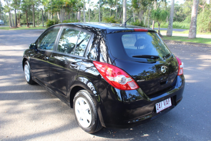 2011 Nissan Tiida C11 S3 ST Hatchback Image 6