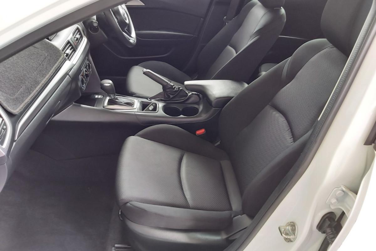 2017 Mazda 3 BN5478 Neo Hatchback