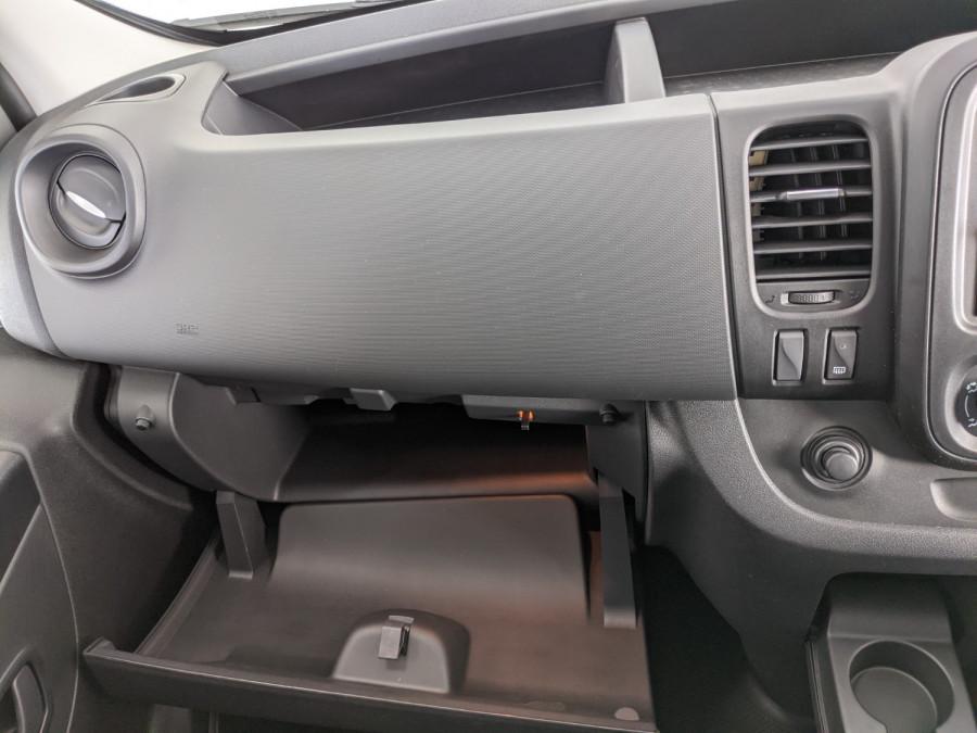 2021 Renault Trafic L2H1 LWB Pro Van Image 12