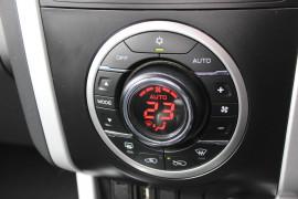 2017 Isuzu Ute D-MAX LS-U Utility - extended cab Mobile Image 15
