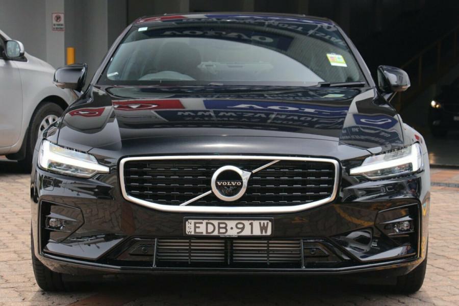 2019 MY20 Volvo S60 Z Series T5 R-Design Sedan Mobile Image 17