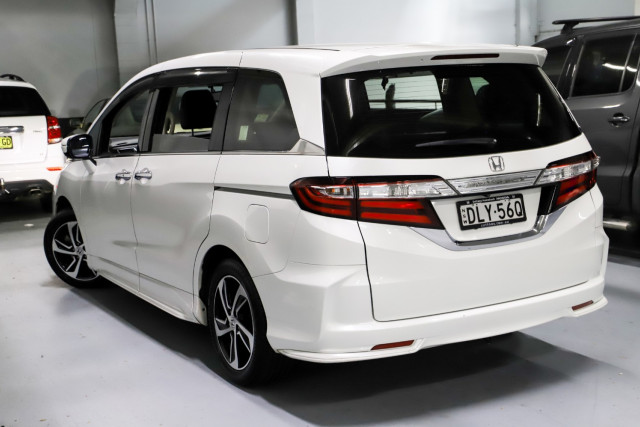 2016 Honda Odyssey 5th Gen VTi-L Wagon Image 2