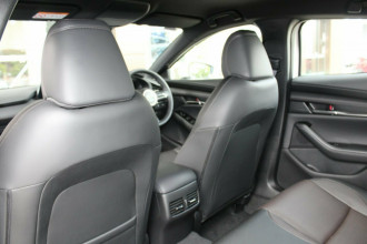 2021 Mazda 3 BP G20 Touring Hatchback image 18