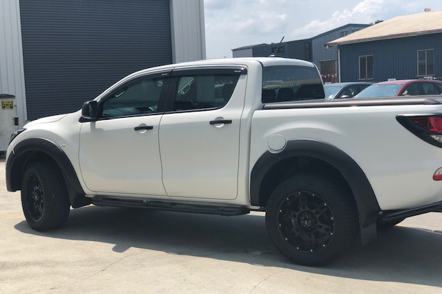 2019 Mazda BT-50 UR 4x4 3.2L Dual Cab Chassis XT Cab chassis Image 4