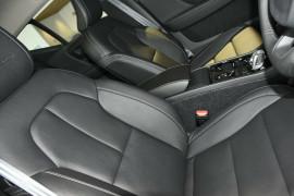 2018 MY19 Volvo XC40 T4 Inscription Suv